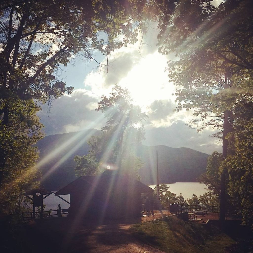 Morning sun over the Fontana Hilton shelter, Lake Fontana, NC.. This place really is as good as it's cracked up to be, at least by hiker standards. #AppalachianTrail2016 #yearofadventure #exploring #backpacking #whiteblazers #optoutside #scenery #nature #mountains #lake — at Fontana Dam Hilton.